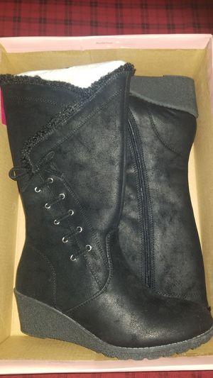 New (nuevas botas negras niña grande talla 3M) for Sale in San Marcos, CA