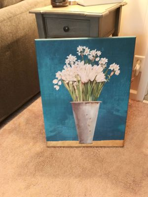 Aqua and Daffodils! for Sale in Painesville, OH
