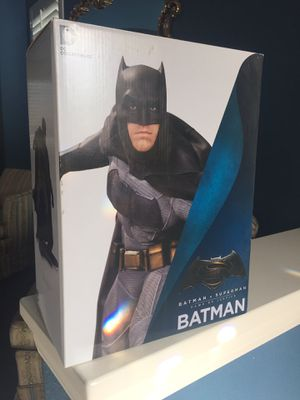 DC collectibles Batman statue for Sale in Chula Vista, CA