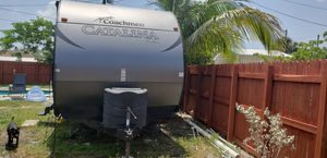 2016 Catalina RV Trailer 32 ft for Sale in Miami Gardens, FL