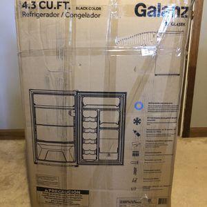 New Galanz 4.3 Cu Ft Single Door Mini Fridge GL43BK, Black for Sale in Decatur, GA