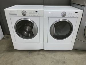 FRIGIDAIRE FRONT LOADING WASHER DRYER ELECTRIC SET for Sale in Vancouver, WA