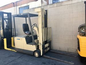 Crown Forklift Electric for Sale in Los Angeles, CA