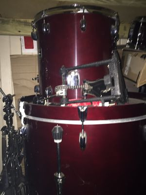 Meant condition Complete drum set for Sale in Detroit, MI