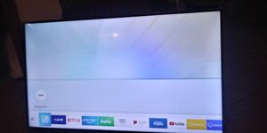 Samsung Smart tv 43 inch Like New for Sale in Lackawanna, NY