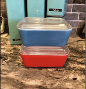 Vintage Pyrex Refrigerator Dish Ribbed Lid Red & Blue 1 1/2 Pint for Sale in Huntington Beach, CA