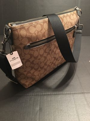 Coach Messenger Bag / CrossBody New w/ Tags Leather for Sale in Pensacola, FL