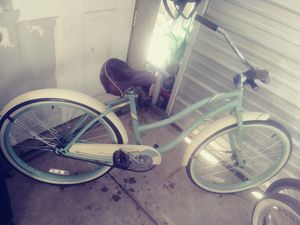 Huffy beach cruiser R26 for Sale in Fresno, CA