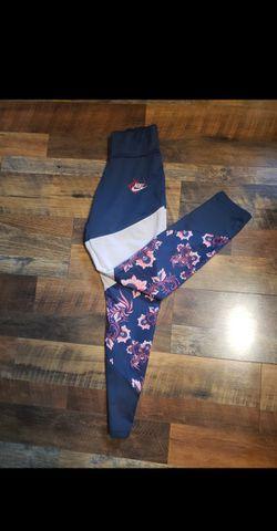 Nike  Navy Blue Floral Leggings  for Sale in Williamstown, NJ