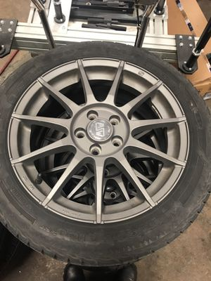 OZ rims 5x114.3 bolt pattern off of Focus ST with Goodyear UltraGrap Ice 215/50R17 95T 8/32 with TPMS for Sale in Vienna, VA