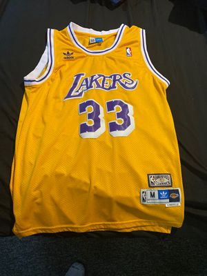 Adidas Hardwood Classic Kareem Abdul-Jabbar Jersey for Sale in Levittown, PA