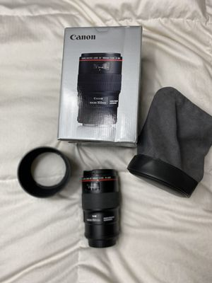 Canon 100 mm f/2.8 Macro IS USM for Sale in Kennewick, WA