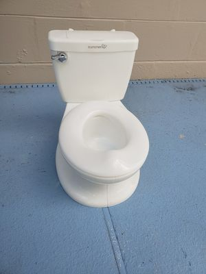 Kids toilet training/potty training chair for Sale in Kissimmee, FL