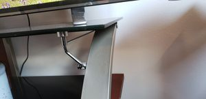 55 inch tv stand with swivel mount for Sale in Seattle, WA