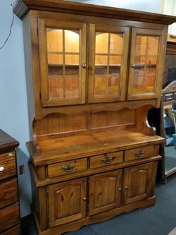 Two Piece Bassett Furniture Lighted Hutch - Delivery Available for Sale in Tacoma,  WA