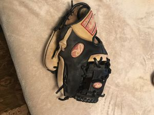 Rawlings Golden Glove Co. 11 inch infielders glove. for Sale in Mount Airy, MD