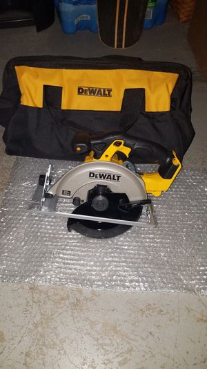 NEW Dewalt 20v MAX circular saw with large case for Sale in Leesburg, VA