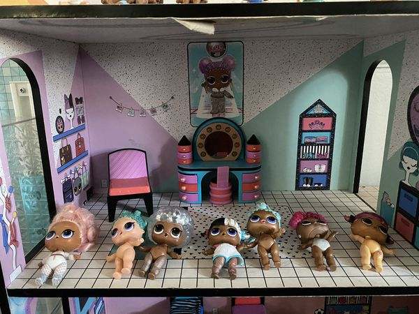LOL Surprise Doll House with dolls and accessories