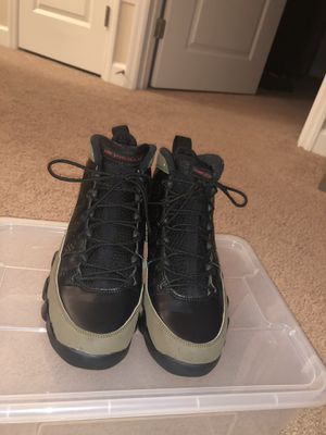 Olive 9 Size 8 for Sale in Silver Spring, MD