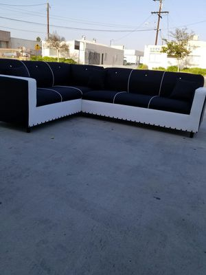 NEW 7X9FT DOMINO BLACK FABRIC COMBO SECTIONAL COUCHES for Sale in Chula Vista, CA