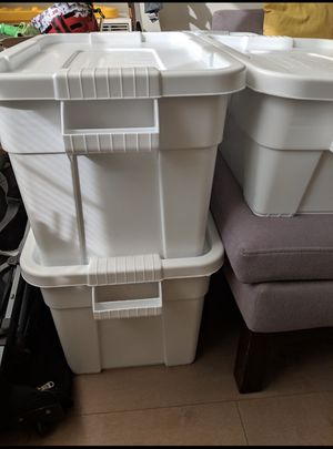 RubberMaid BRUTE storage containers, 2 big, 2 small available for Sale in New York, NY