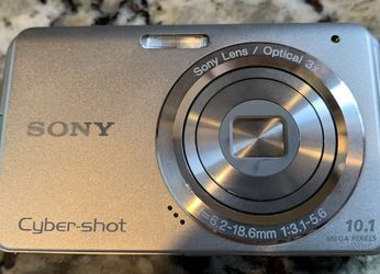 Sony Cybershot Digital Camera for Sale in Fairport,  NY