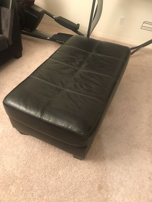 Black leather ottoman for Sale in Beaumont, CA