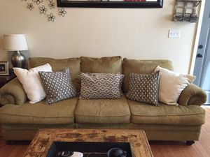 Couch and love seat for Sale in Warner Robins, GA