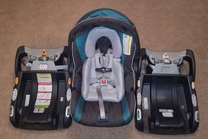 Chicco KeyFit 30 Car Seat + extra base for Sale in Seattle, WA