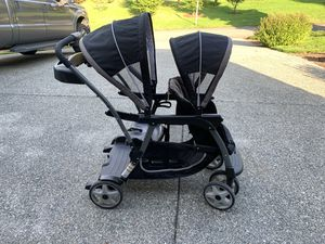 Graco Double Stroller for Sale in Snohomish, WA