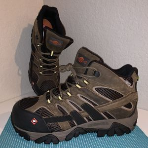 Merrell Men's Size 9 Moab 2 Vent Mid Composite Safety Toe Work Boots Hiking Waterproof J15753 *BRAND NEW* for Sale in Chandler, AZ
