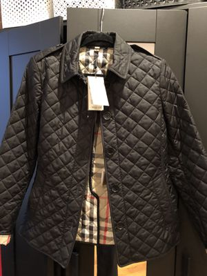 BRAND NEW women's Burberry coat for Sale in Washington, DC