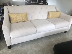 White couch-sunroom 73x35x33 for Sale in South Riding, VA
