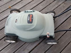 "Black & Decker 6.5-amp 18"" Electric Mower Model LM175 for Sale in Boulder, CO"