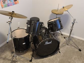Pearl Forum 5 Piece Set Complete for Sale in Tacoma,  WA