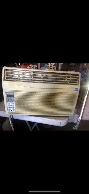 AIR CONDITIONER 8,000 btu for Sale in El Monte, CA