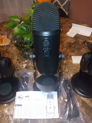 Blue Microphones - Yeti USB Multi-Pattern Electret Condenser Microphone. for Sale in Hartford, CT