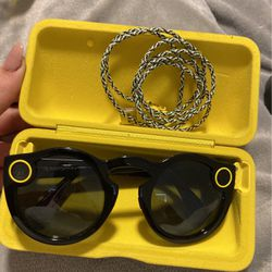 SnapChat Spectacles NEVER USED. **Comes With charging Case And Charger* for Sale in Selden,  NY