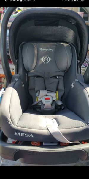 Uppababy mesa infant car seat with base for Sale in Dallas, TX