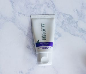 Rodan + Fields Unblemish Step 4 Oil Control Lotion and SPF for Sale in Allyn, WA