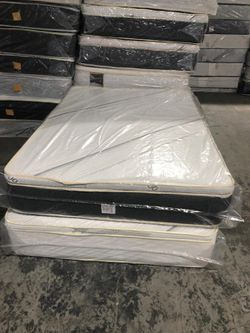 full pillowtop mattress with boxspring for Sale in Los Angeles,  CA