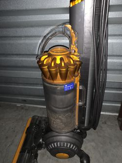 Dyson Ball Multifloor 2 Upright Vacuum - Yellow/Iron for Sale in Plano,  TX
