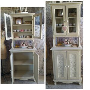 Vintage wooden pantry cabinet, for Sale in Los Angeles, CA