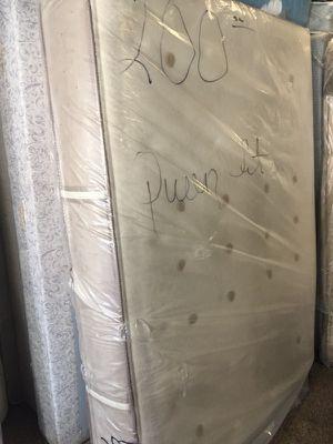 Plush Queen set for Sale in Detroit, MI