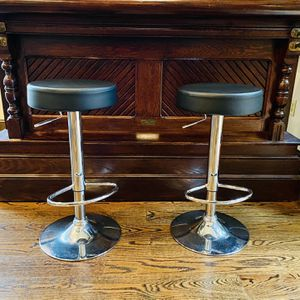 Modern height adjustable bar or a counter stools for Sale in Holmdel, NJ