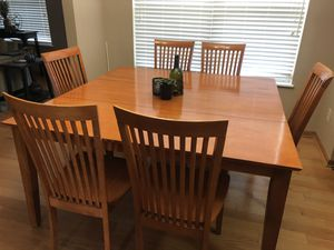 Dining Table Set with 8 chairs for Sale in Dublin, OH