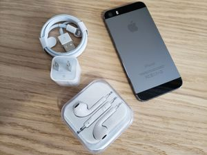 """iPhone 5S """"Factory+iCloud Unlocked Condition Excellent"""" (Like Almost New), for Sale in VA, US"""