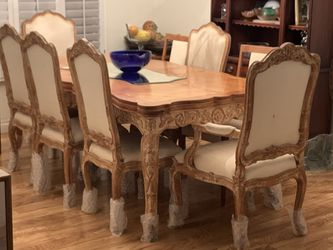 Dining table and 6 chairs for Sale in Beverly Hills,  CA