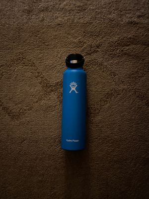24 oz Hydroflask for Sale in Sumner, WA