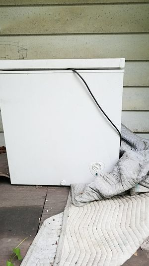 Small freezer for Sale in Cleveland, OH
